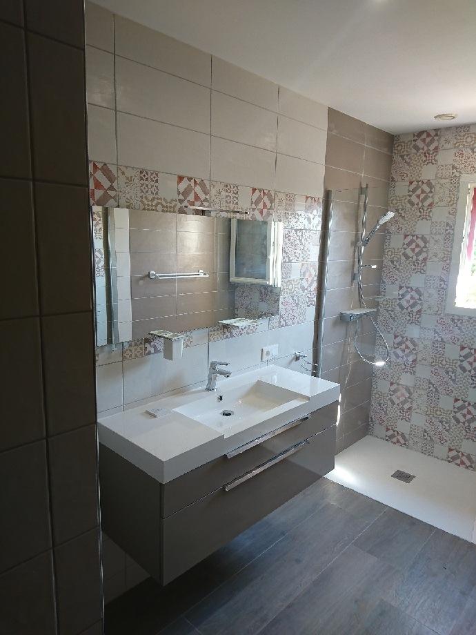 Rénovation salle de bain par le comptoir des artisans